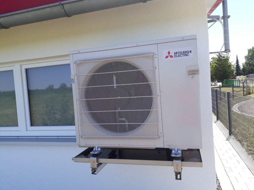 Klimaanlagen an der Hauswand